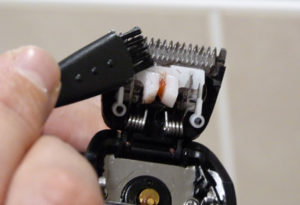 Philips Norelco 7100 shaver cleaning trimmer head